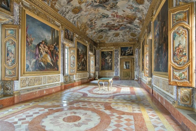 Palazzo_buonaccorsi_galleria_eneide