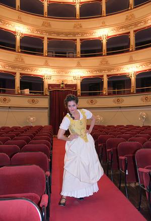 Medium_viste_teatro_pergolesi_con_serpina
