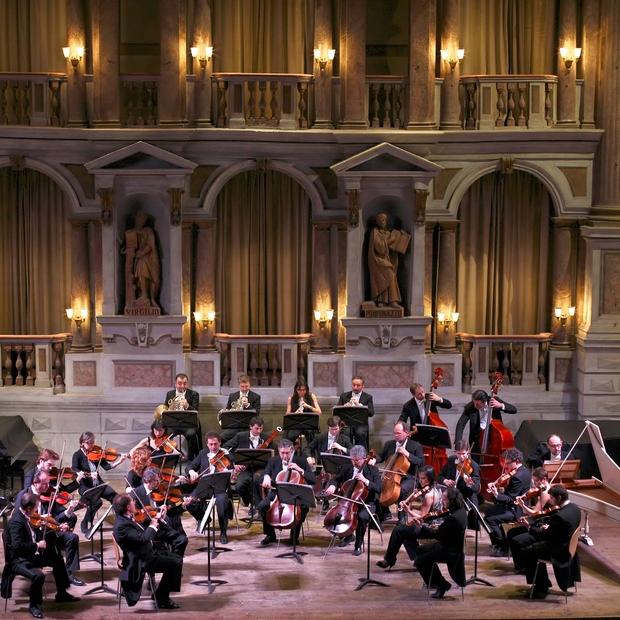 Large_orchestra_da_camera_di_mantova