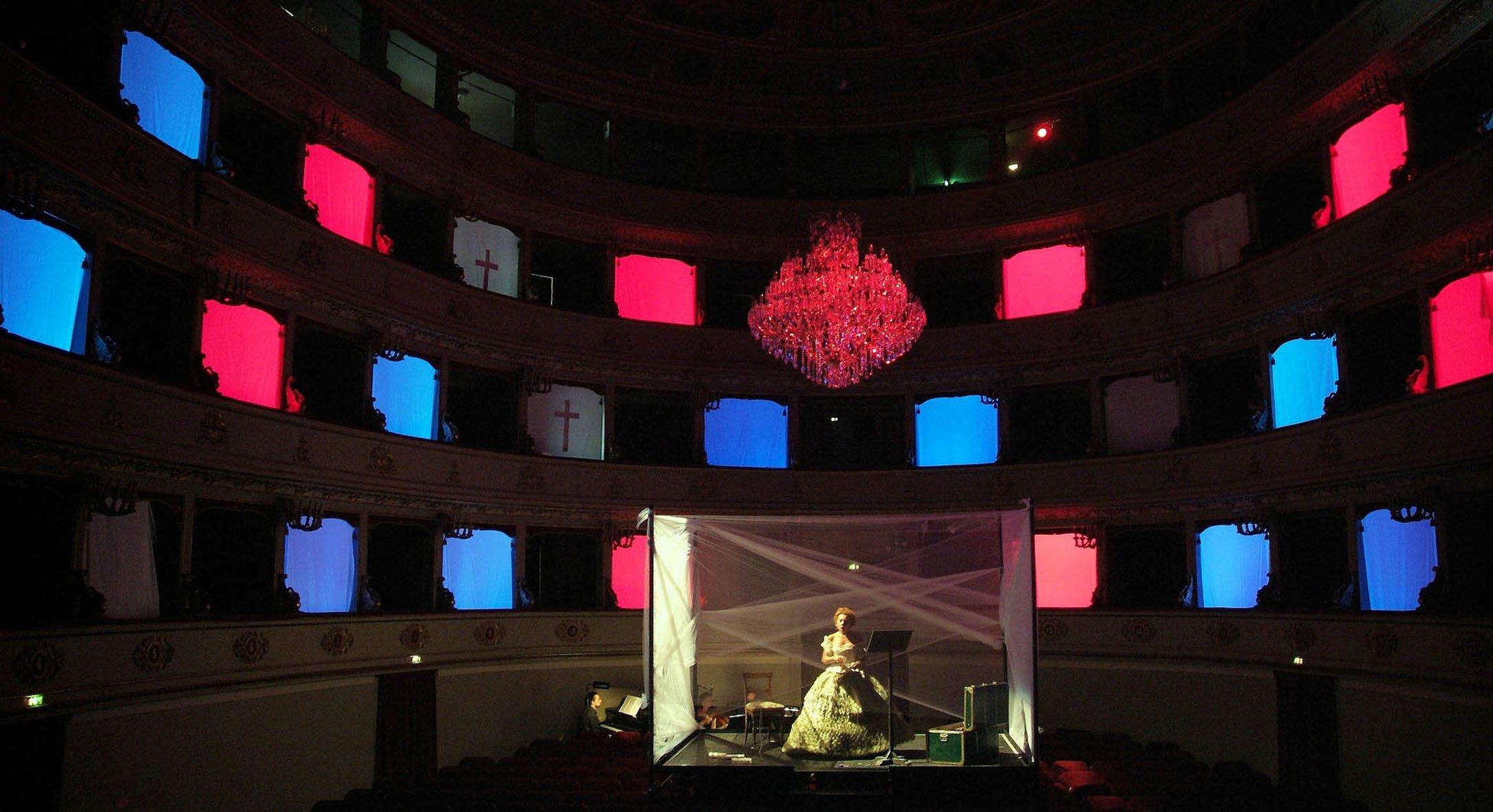 Light-design_festival-pergolesi-spontini-2006_mozart-a-recanati