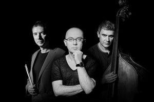 Medium_marcin-wasilewski-trio-600x400