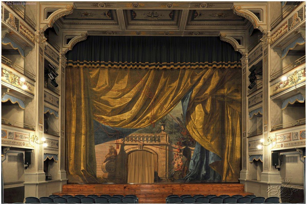 Teatro_la_nuova_fenice_-_sipario_storico
