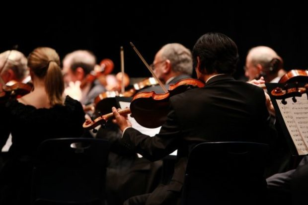 Large_orchestra-2098877_1920-600x400