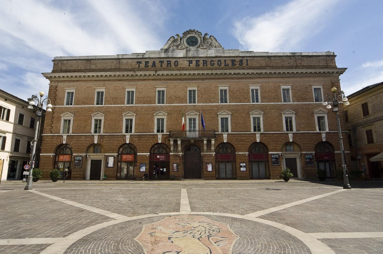 Teatro_pergolesi_1798_jesi